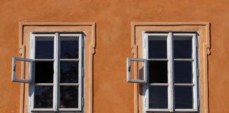 Jak idealnie wyczyścić okno balkonowe?