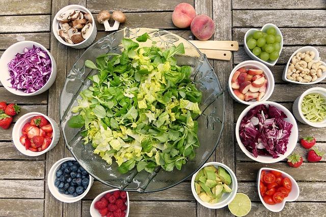 ile kalorii ma sałatka jarzynowa